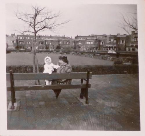 Veronica  Vos en Moeder Mary Waardenburg 1953